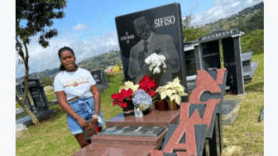 Photo of Sfiso Ncwane's Daughter Visits Her Father's Grave, Living Fans Touched