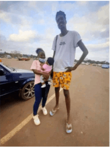 Mzansi's Tallest Man And His Bae Showing Off Their Love